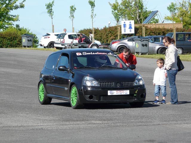 CR Magny-Cours club 100% piste le 15/6/2013 - Page 2 Clio_2